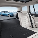 Volkswagen-Golf_Variant_2014_800x600_wallpaper_13